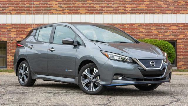 Top 10 mẫu xe mất giá nhất sau 5 năm sử dụng - Ảnh 3.