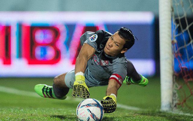 Báo Thái loan tin Muangthong muốn đẩy Văn Lâm đi, dọn chỗ cho thủ môn ĐT Thái Lan - Ảnh 1.