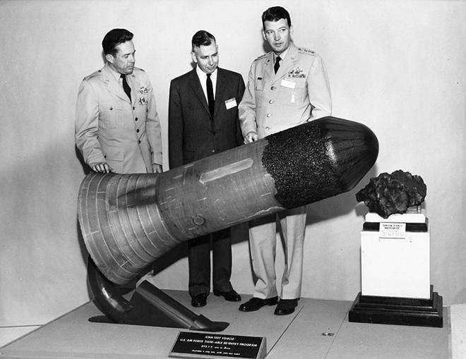 Cha đẻ của chương trình không gian quân sự Mỹ - Ảnh 2.
