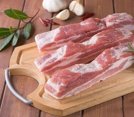 Chỉ 3 bước đơn giản làm nên món thịt rang cháy cạnh ngon đậm đà - Ảnh 1.