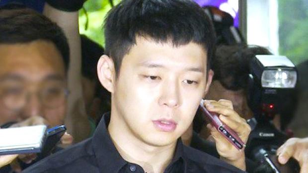 4 màn đổi đời và bay màu chấn động thập kỷ Kbiz: Chỉ 1 fancam cứu cả EXID, Seungri - Yoochun mở đầu chuỗi bê bối rúng động - Ảnh 15.