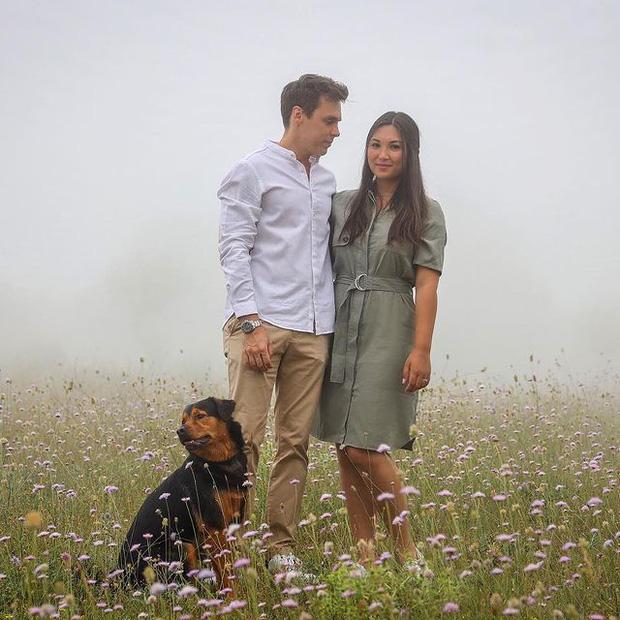 Nàng dâu hoàng gia gốc Việt khoe ảnh Giáng sinh bên chồng, gây bất ngờ với vẻ ngoài hiện tại sau hơn một năm kết hôn - Ảnh 7.