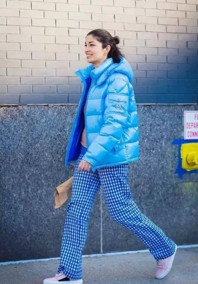 Muốn mặc đẹp vào mùa đông, đừng dại mua 3 kiểu quần này  - Ảnh 1.