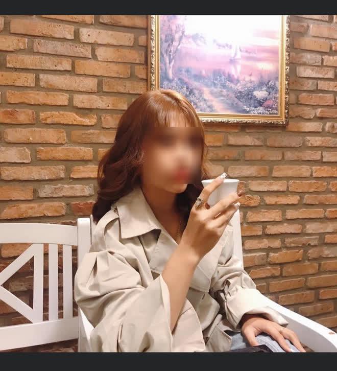 Khoe gặp được sếp tâm lý, cô gái trẻ không ngờ bị ném đá dữ dội vì 1 dòng tin nhắn kém duyên - Ảnh 1.