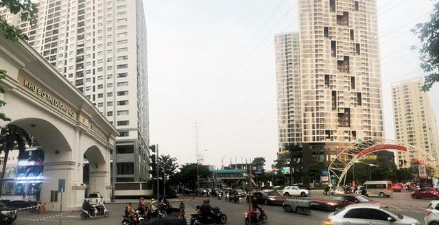 Cận cảnh cao ốc nhấn chìm con đường BT Hà Nội - Ảnh 11.
