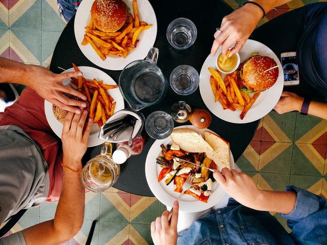 9 bí mật các cửa hàng đồ ăn nhanh luôn cố che giấu khách hàng - Ảnh 4.