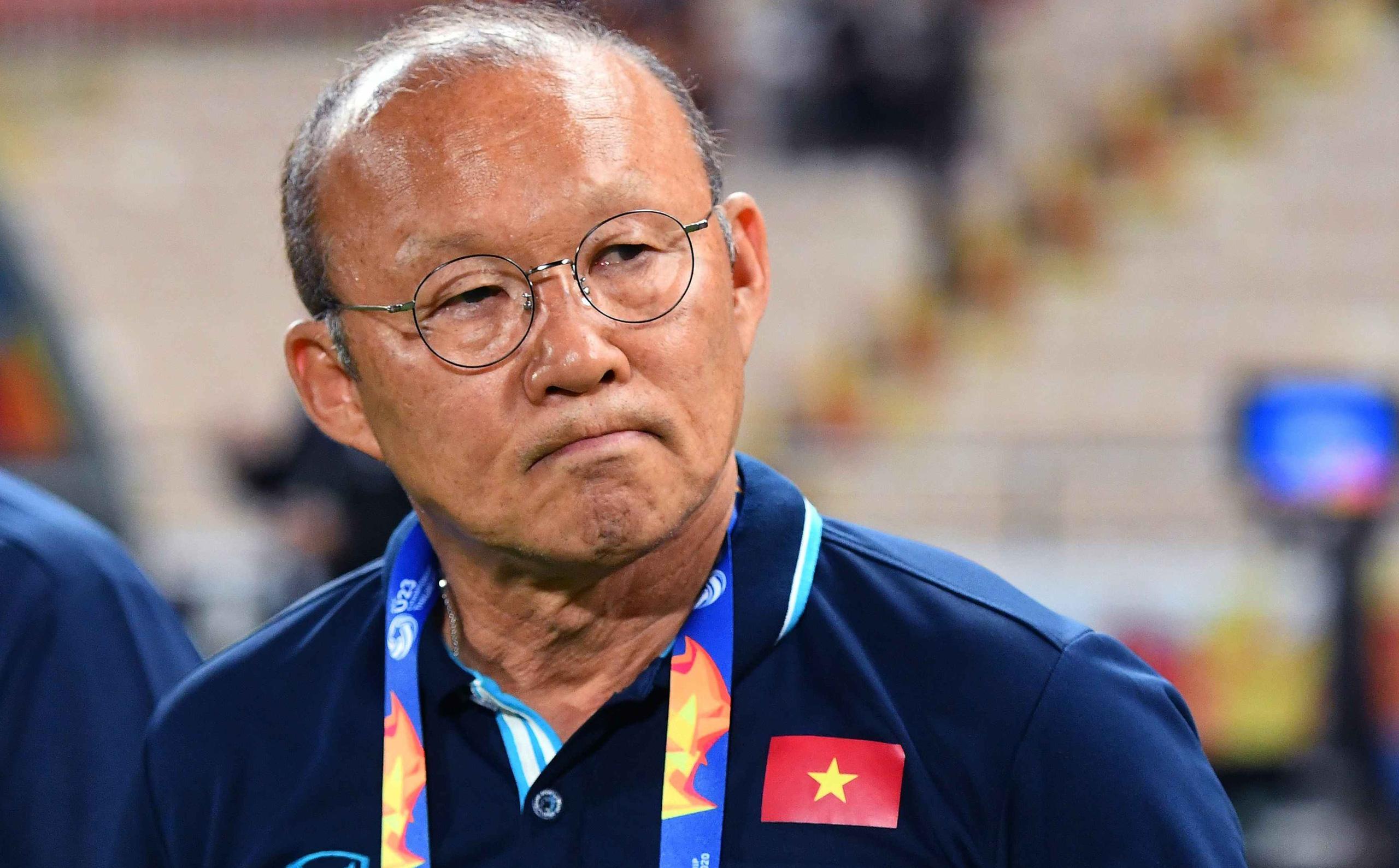 """Thầy Park phiền lòng, ra biện pháp cứng rắn trước các tin đồn """"nhạy cảm"""""""