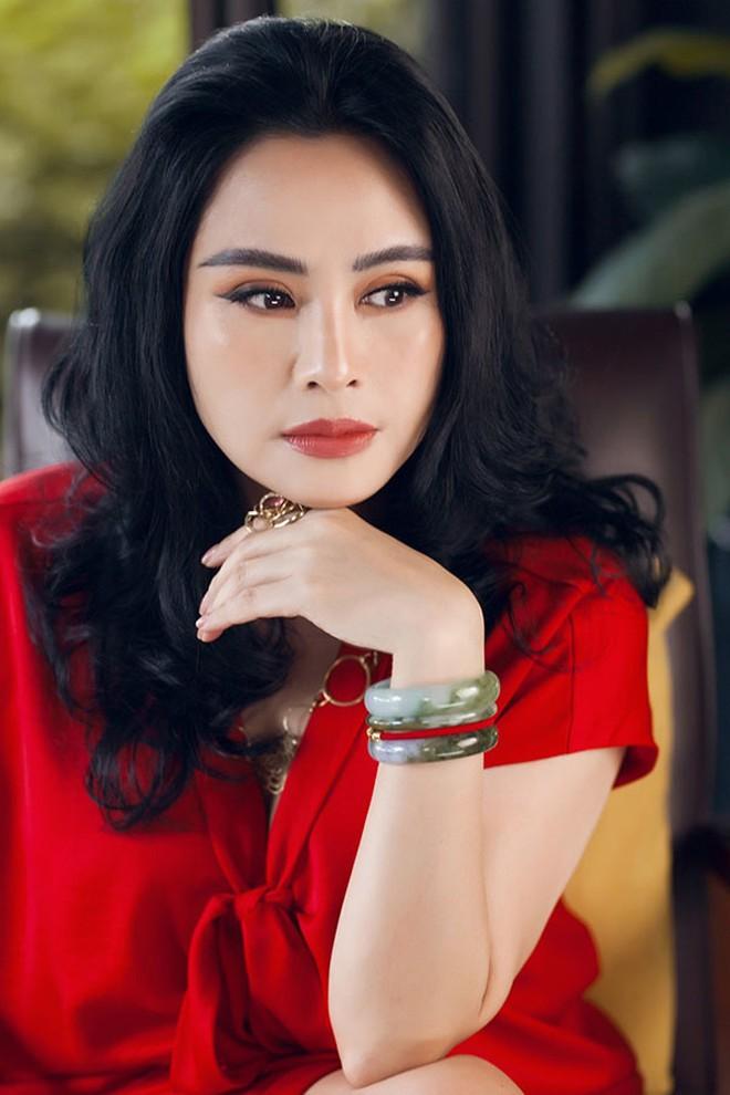 Ai mới đủ đẳng cấp làm Nữ hoàng nhạc Pop Việt Nam: Mỹ Tâm, Thanh Lam, Phương Thanh hay Min? - Ảnh 8.