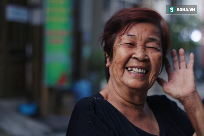 Gia đình 3 thế hệ ở Sài Gòn bất ngờ chịu chung bản án tử thần và lời hứa thay mẹ trở về thăm quê hương một lần - Ảnh 3.