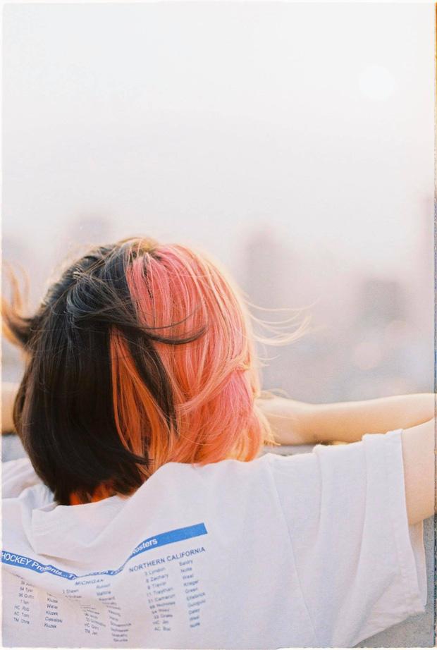Nữ sinh 2K1 'chơi lớn' nhuộm tóc ton sur ton với các toà nhà của trường, xem thành tích học càng choáng váng hơn - ảnh 12
