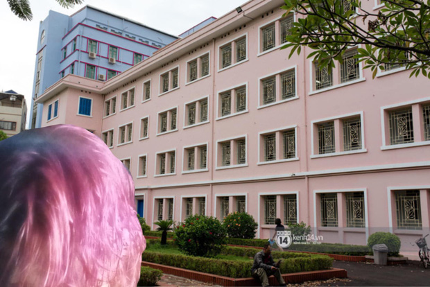 Nữ sinh 2K1 'chơi lớn' nhuộm tóc ton sur ton với các toà nhà của trường, xem thành tích học càng choáng váng hơn - ảnh 7