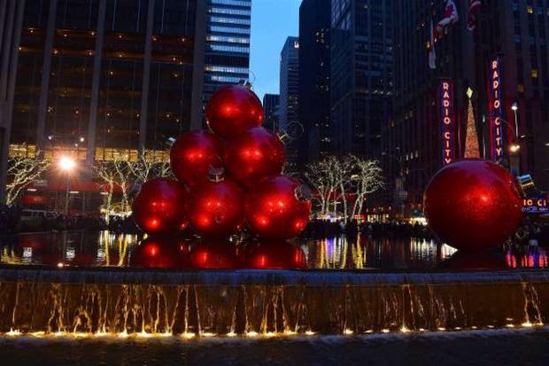 Độc đáo những truyền thống đón năm mới trên thế giới - Ảnh 8.