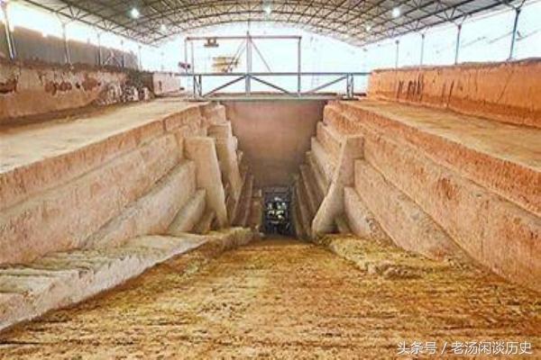Khai quật cổ mộ 2.000 năm tuổi, thứ bên trong khiến chuyên gia hạt nhân phải lên tiếng - Ảnh 5.