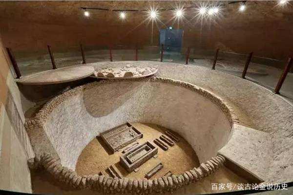 Khai quật cổ mộ 2.000 năm tuổi, thứ bên trong khiến chuyên gia hạt nhân phải lên tiếng - Ảnh 1.