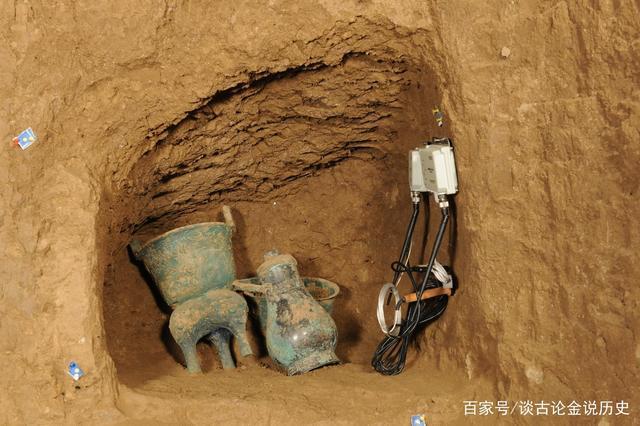 Khai quật cổ mộ 2.000 năm tuổi, thứ bên trong khiến chuyên gia hạt nhân phải lên tiếng - Ảnh 3.