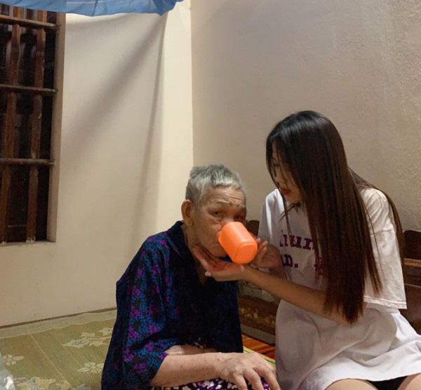 Hhen Niê, Đỗ Thị Hà:  2 Hoa hậu giỏi... làm ruộng được khen ngợi sau khi đăng quang - Ảnh 8.