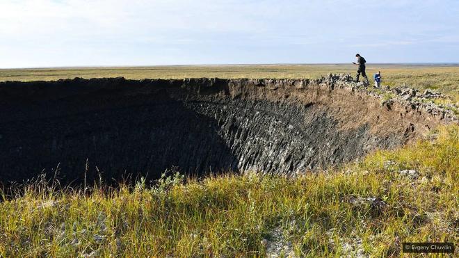 Bí ẩn về những ổ gà khổng lồ ở vùng cực Siberia - Ảnh 2.