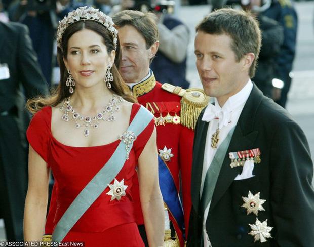 Dù có xuất thân hoàng gia cao quý, các nhân vật công chúa hoàng tử này cũng làm những công việc rất đỗi bình thường như bao người khác - Ảnh 4.