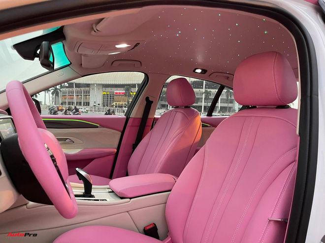 Nữ chủ nhân VinFast Lux A2.0 chi 35 triệu đồng độ nội thất full màu hồng, bầu trời sao độc nhất Việt Nam - Ảnh 5.