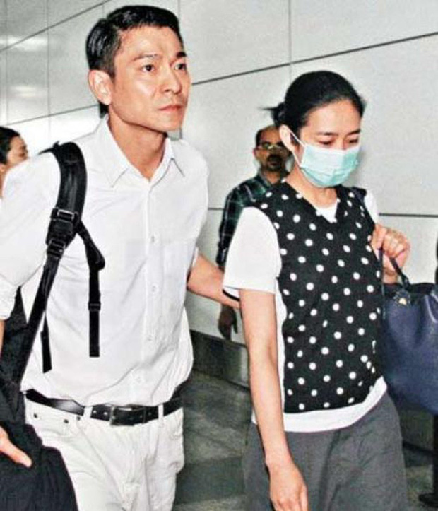 Lưu Đức Hoa gây xôn xao vì không đoái hoài đến con gái ốm nhập viện - Ảnh 2.