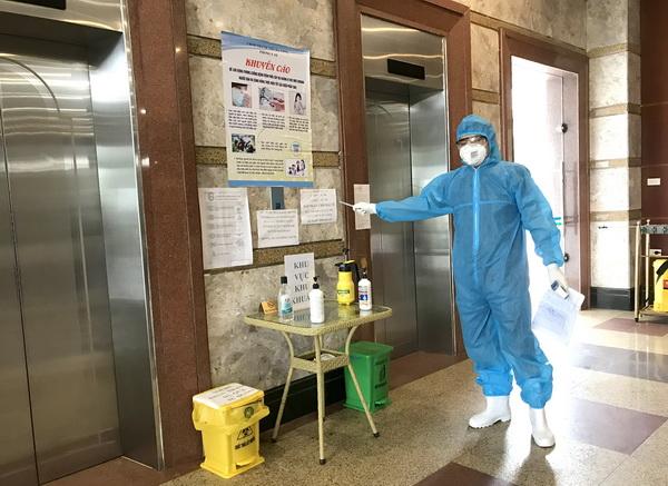 Việt Nam tăng tốc thử nghiệm vắc xin Covid-19 trên người; Hai người Trung Quốc nhập cảnh trái phép âm tính lần 1 với SARS-CoV-2 - Ảnh 1.