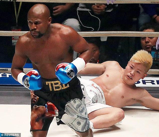 Mayweather gây ngạc nhiên khi làm giống võ sĩ Trung Quốc, nhận lời đấu với dân nghiệp dư - Ảnh 2.