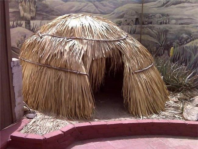 Kỳ lạ những bộ lạc sống tách biệt và bí ẩn trên thế giới - Ảnh 3.