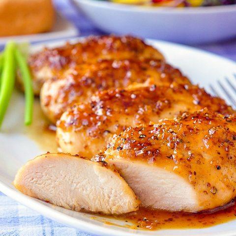 Ức gà hay đùi gà bổ dưỡng hơn? Tổ chức dinh dưỡng lớn nhất thế giới chỉ cách ăn thịt gà 'chuẩn bài' - Ảnh 3.