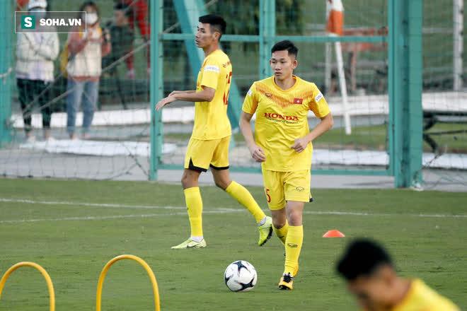Bầu Hiển phá két, đưa về 2 tân binh tiếng tăm để Hà Nội FC đòi nợ ở V.League 2022? - Ảnh 2.