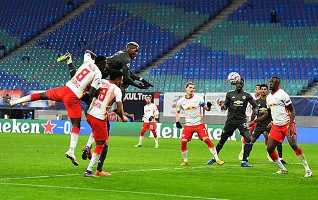 M.U thua bẽ bàng Leipzig, HLV Solskjaer tìm cách đánh trống lảng - Ảnh 1.