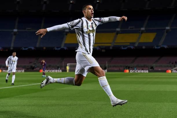 Juventus đánh sập Nou Camp, Ronaldo lập kỷ lục vô tiền khoáng hậu - Ảnh 1.
