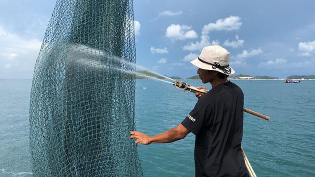 Nuôi cá lồng bè ở Nam Du, thu hàng trăm triệu mỗi năm - Ảnh 7.