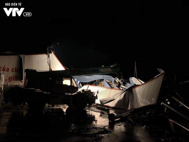 Hiện trường tan hoang vụ sập nhà xưởng ở Vĩnh Phúc làm 3 người chết, 18 người bị thương - Ảnh 4.