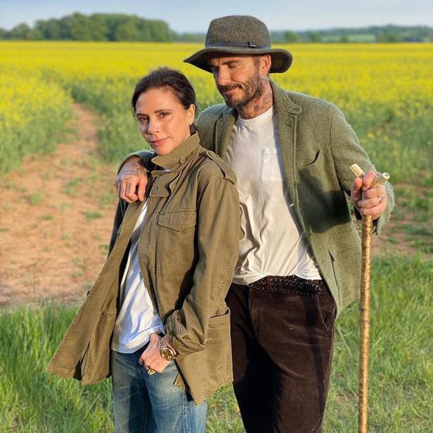 Bà Becks bỗng đượm buồn vì thời gian phong tỏa sắp kết thúc, nguyên nhân thì có liên quan tới David Beckham - Ảnh 1.