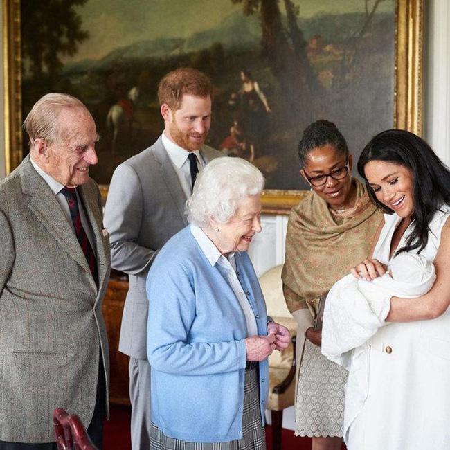 Trước nghi án bị chồng Nữ hoàng Anh từ mặt, Meghan Markle lên tiếng thanh minh nhưng vẫn khiến dư luận không hài lòng - Ảnh 2.