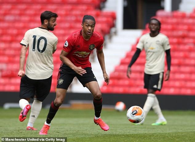 Luke Shaw khoe lập cú đúp trong trận hòa 4-4 của MU ở Old Trafford - Ảnh 4.