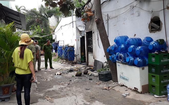 Gã bán trái cây rút xăng từ xe máy, phóng hỏa đốt phòng trọ khiến 3 người chết - Ảnh 3.