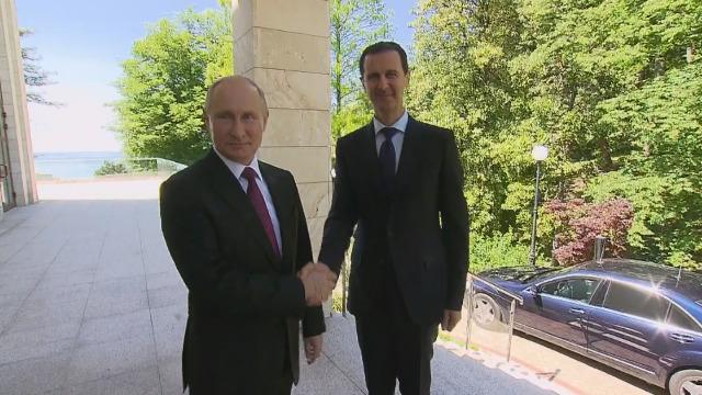 TT Putin ra thông điệp cực rắn: Đừng động vào Syria - Lộ nghĩa địa siêu tăng Mỹ ở Iraq - Ảnh 1.
