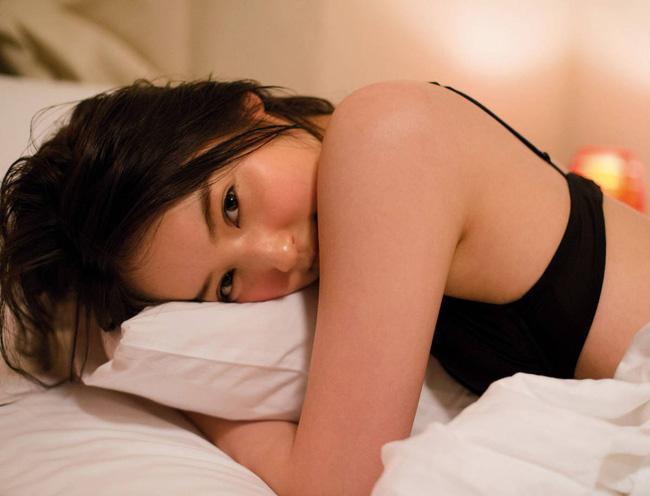 Cận cảnh nhan sắc mỹ nhân đẹp nhất Nhật Bản Nozomi Sasaki: Sở hữu thân hình gợi cảm cùng gương mặt ngây thơ nhưng vẫn bị chồng cắm 182 chiếc sừng - Ảnh 8.