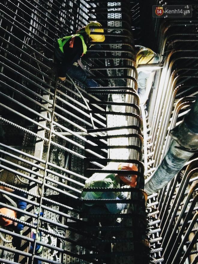 Flycam cận cảnh nhà ga ngầm trung tâm Bến Thành, công trình phức tạp nhất vì kết nối 4 tuyến Metro ở Sài Gòn - Ảnh 17.