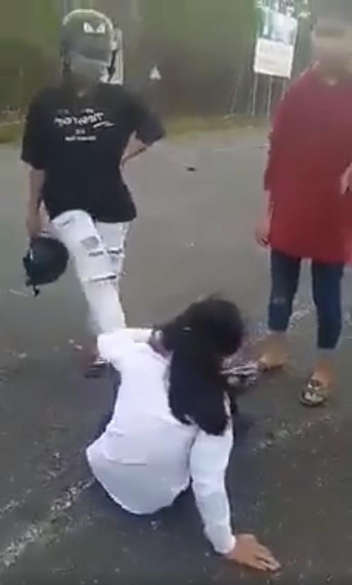 Bé gái 13 tuổi bị nhóm thiếu nữ ép lên núi đánh đập dã man rồi quay clip - Ảnh 1.