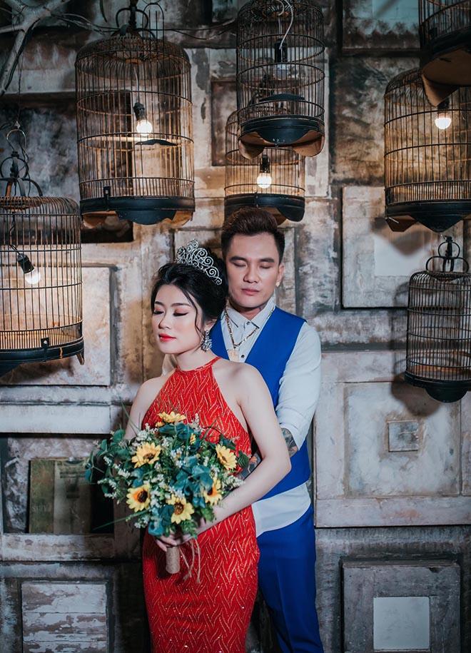 Đi hát xuống nắm tay fan và duyên vợ chồng định mệnh của Lâm Chấn Huy với vợ kém 13 tuổi - Ảnh 4.