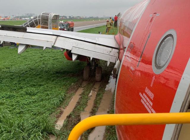 Máy bay Vietjet lao ra khỏi đường băng: Trước khi gặp sự cố, máy bay tiếp cận đường băng bình thường - Ảnh 4.