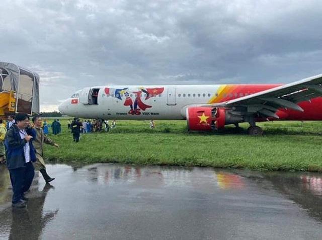 Máy bay Vietjet lao ra khỏi đường băng: Trước khi gặp sự cố, máy bay tiếp cận đường băng bình thường - Ảnh 3.