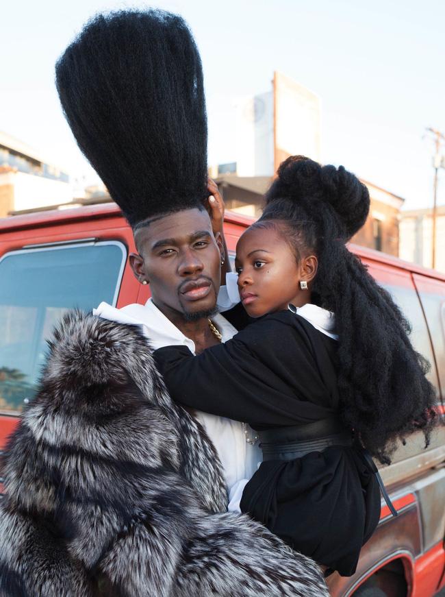 2 bố con sở hữu kiểu tóc xù bông bá đạo nhất thế giới khiến ai nhìn cũng trầm trồ và còn ghi tên vào kỉ lục Guinness - Ảnh 7.
