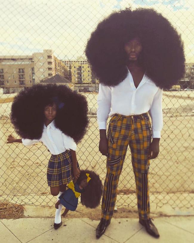 2 bố con sở hữu kiểu tóc xù bông bá đạo nhất thế giới khiến ai nhìn cũng trầm trồ và còn ghi tên vào kỉ lục Guinness - Ảnh 8.