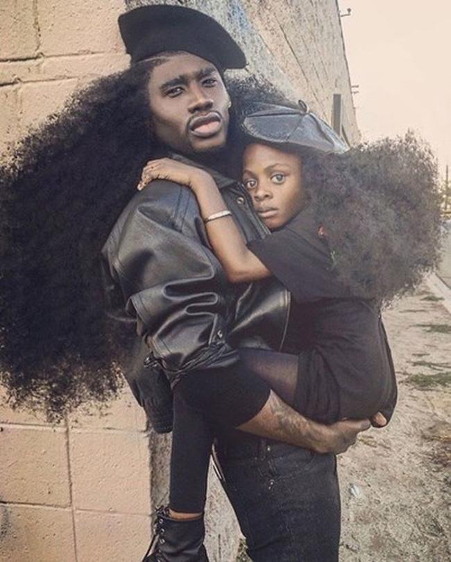 2 bố con sở hữu kiểu tóc xù bông bá đạo nhất thế giới khiến ai nhìn cũng trầm trồ và còn ghi tên vào kỉ lục Guinness - Ảnh 10.