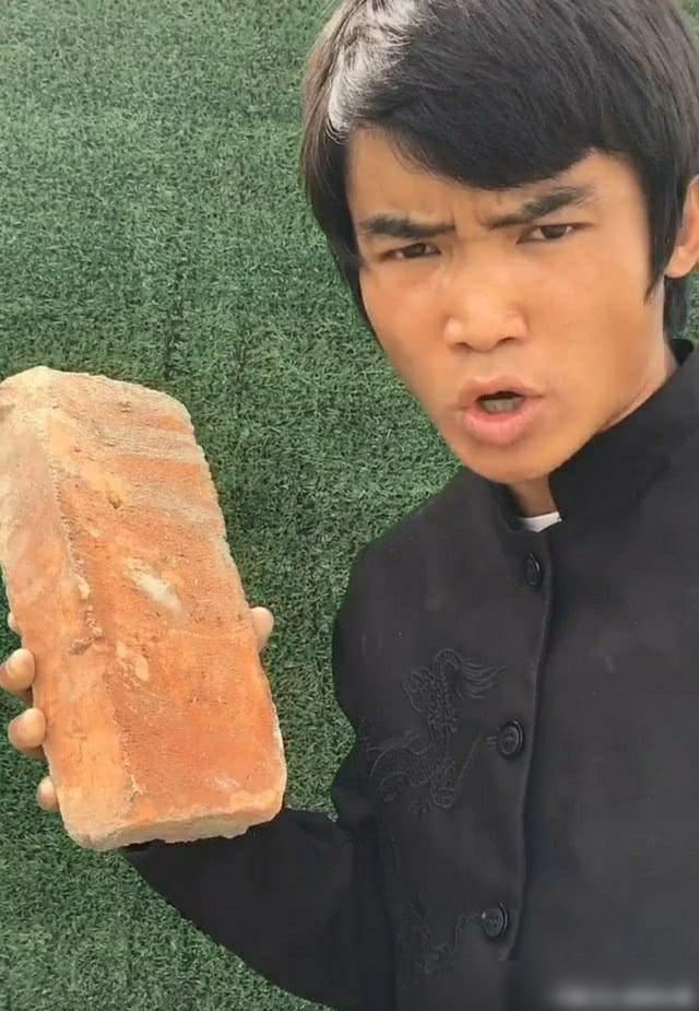 Hung hãn dọa đánh đệ nhất Thiếu Lâm, bản sao Lý Tiểu Long bị võ lâm Trung Quốc bóc mẽ - Ảnh 2.