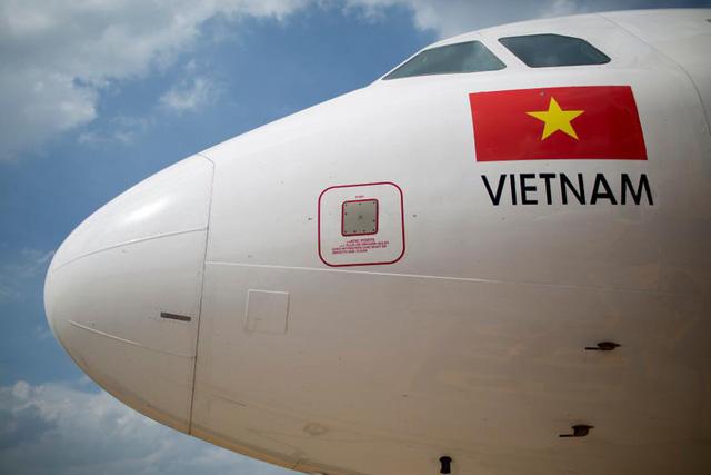 Forbes:  Vietnam Airlines dự kiến sẽ sở hữu 98% cổ phần Jetstar Pacific sau khi Qantas rút lui - Ảnh 1.