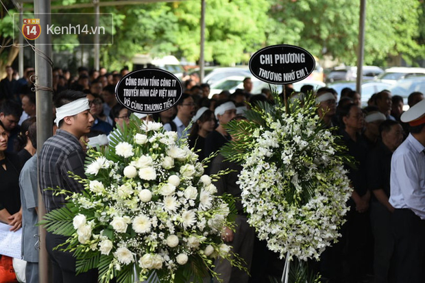 Đám tang BTV/MC Diệu Linh: MC Long Vũ và MC Quang Minh đến sớm để nói lời tạm biệt với người em đồng nghiệp - Ảnh 5.